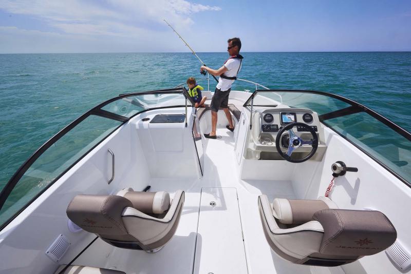 CAP CAMARAT 6.5 BR │ Cap Camarat Bow Rider of 6m │ Boat Outboard Jeanneau  10987