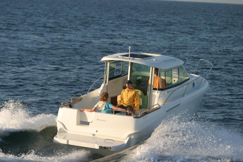 Merry Fisher 705 │ Merry Fisher Inboard of 7m │ Boat Inboard Jeanneau  6607