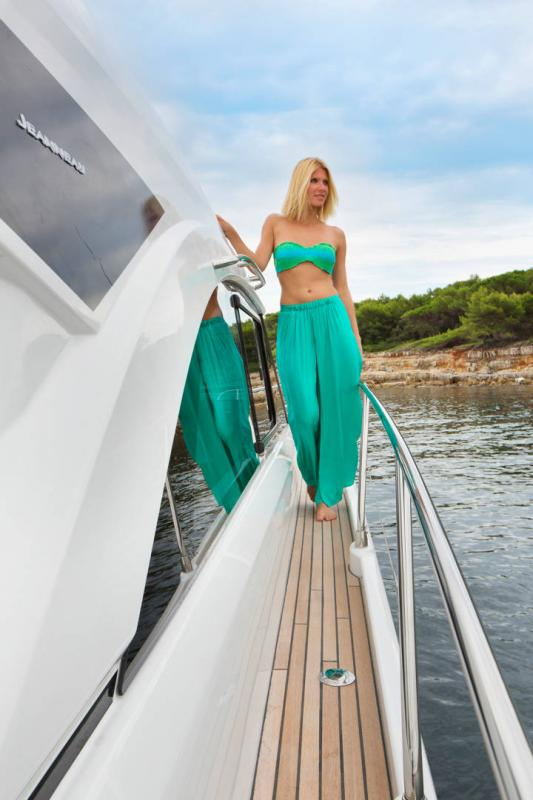 Leader 46 │ Leader of 14m │ Boat powerboat Jeanneau 3-Lifestyle 18483