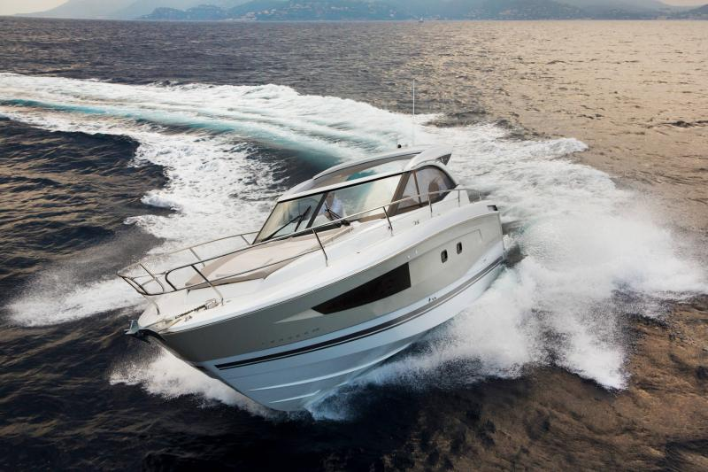 Leader 36 │ Leader of 12m │ Boat powerboat Jeanneau 1-Navigation 18358