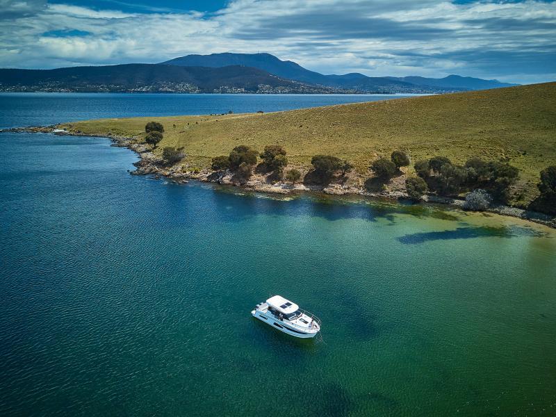 NC 1095 │ NC Weekender of 10m │ Boat powerboat Jeanneau  18868
