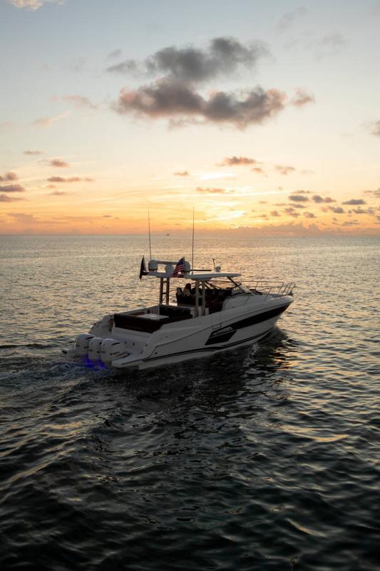 Leader 12.5 │ Leader WA of 12m │ Boat powerboat Jeanneau  21628