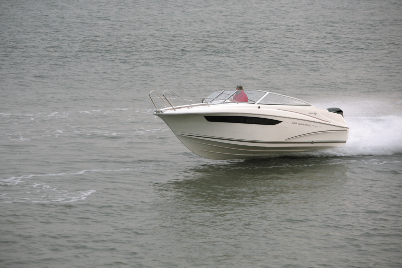 Cap Camarat 7.5 DC │ Cap Camarat Day Cruiser of 7m │ Boat powerboat Jeanneau  17224