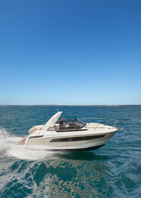 Leader 30 │ Leader of 9m │ Boat powerboat Jeanneau 1-Navigation 18227