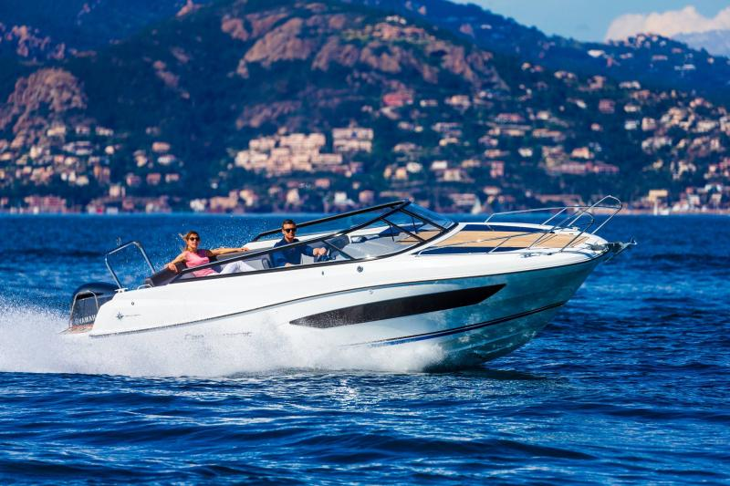 Cap Camarat 7.5 DC │ Cap Camarat Day Cruiser of 7m │ Boat powerboat Jeanneau  17276