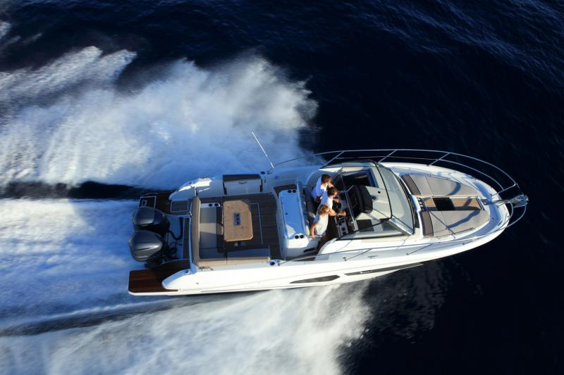 Cap Camarat 10.5 WA │ Cap Camarat Walk Around of 11m │ Boat Outboard Jeanneau  4292