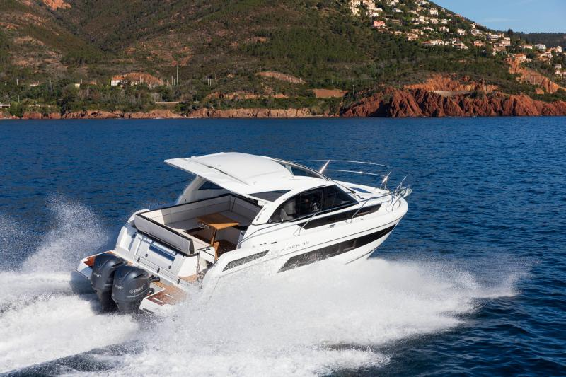 Leader 33 │ Leader of 11m │ Boat powerboat Jeanneau Outboard version 18281