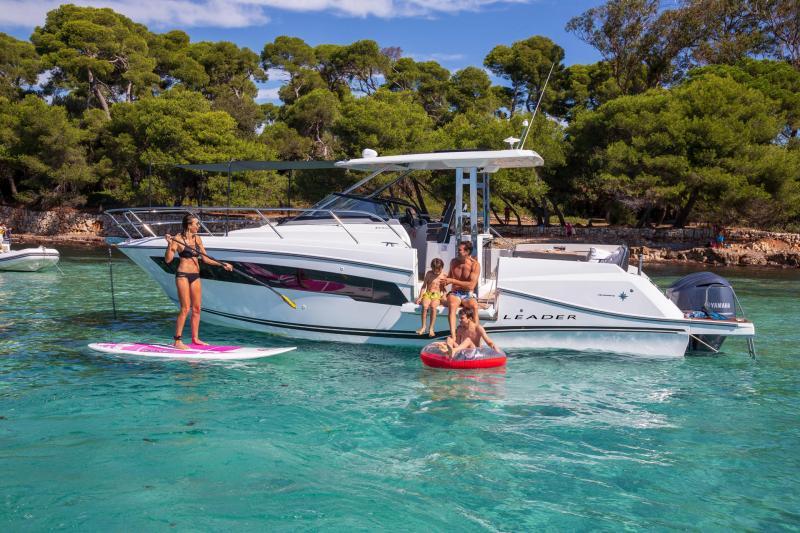 Leader 10.5 Series 2 │ Leader WA of 11m │ Boat powerboat Jeanneau  22046