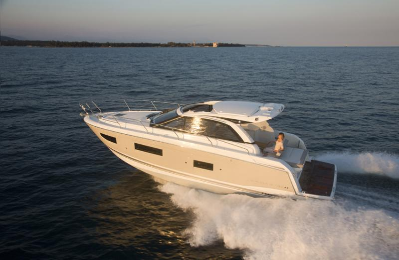 Leader 40 Exterior Views 28