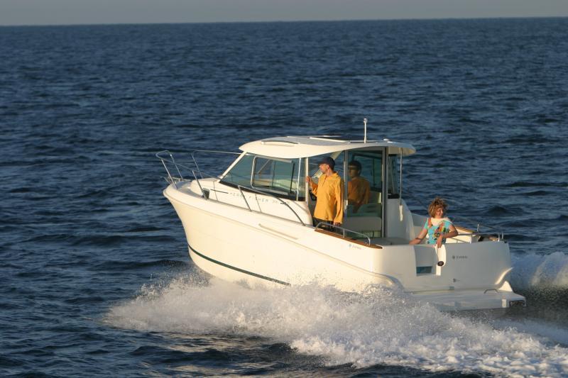 Merry Fisher 705 │ Merry Fisher Inboard of 7m │ Boat Inboard Jeanneau  6615