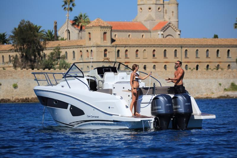 Cap Camarat 10.5 WA │ Cap Camarat Walk Around of 11m │ Boat Outboard Jeanneau  4301