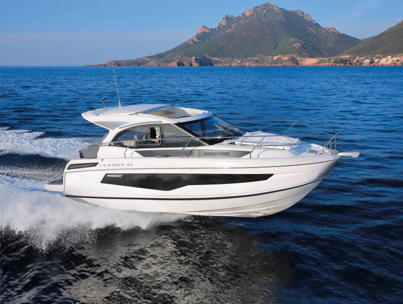 Leader 33 │ Leader of 11m │ Boat powerboat Jeanneau  22070