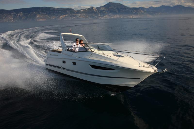 Leader 8 │ Leader of 9m │ Boat powerboat Jeanneau boat Leader-Leader8 67