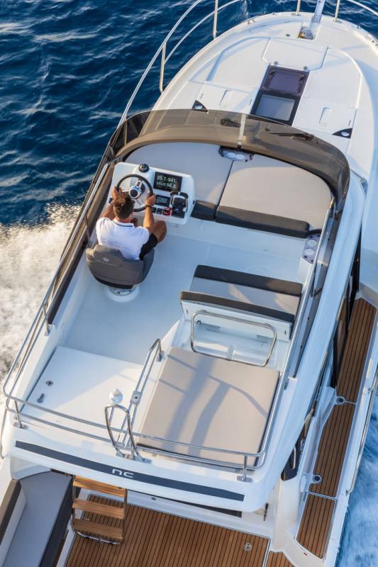 NC 1095 Fly │ NC Weekender of 10m │ Boat powerboat Jeanneau  21020