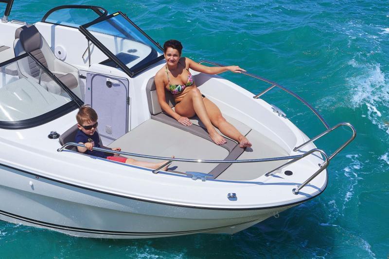 CAP CAMARAT 6.5 BR │ Cap Camarat Bow Rider of 6m │ Boat Outboard Jeanneau  10989