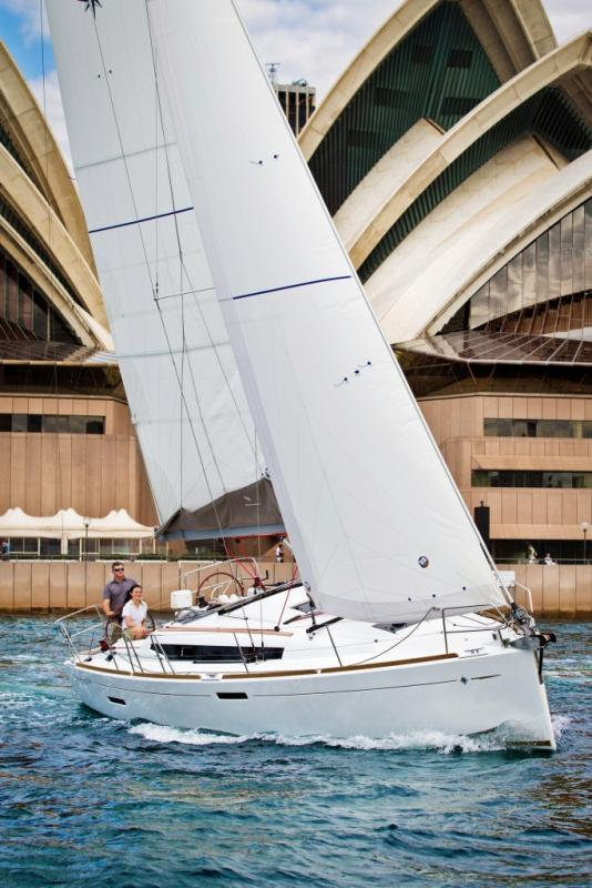 Sun Odyssey 379 │ Sun Odyssey of 11m │ Boat Sailboat Jeanneau  8348