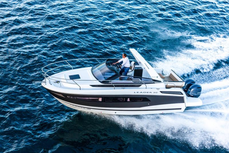 Leader 30 │ Leader of 9m │ Boat powerboat Jeanneau Outboard version 18191