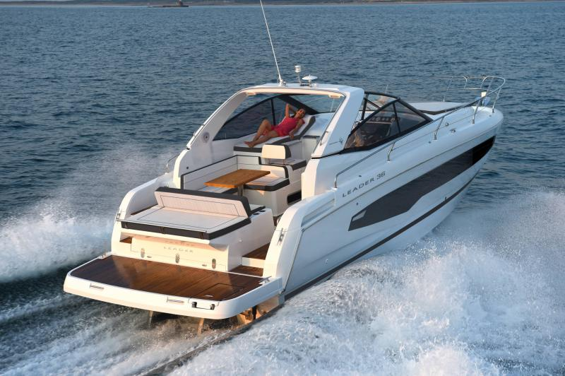 Leader 36 │ Leader of 12m │ Boat powerboat Jeanneau  22089