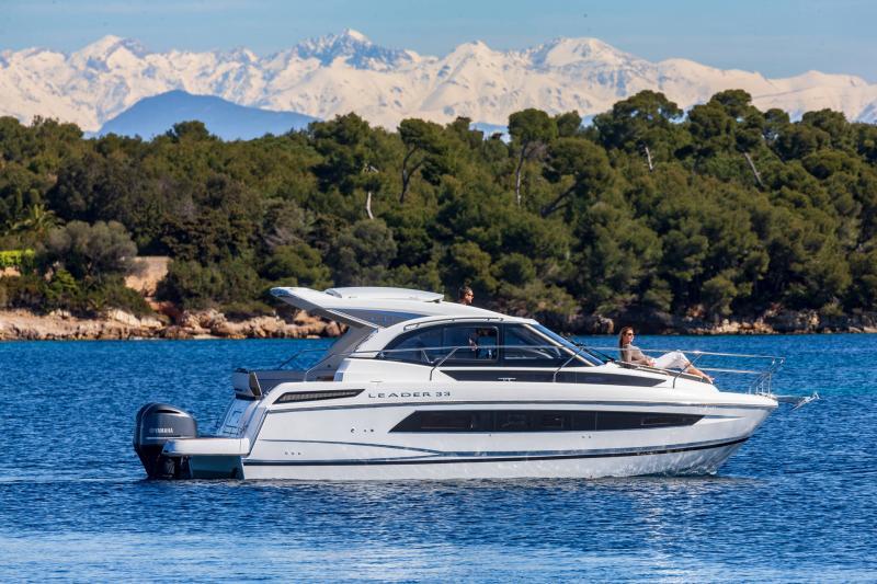 Leader 33 │ Leader of 11m │ Boat Intra-borda Jeanneau Outboard version 18288