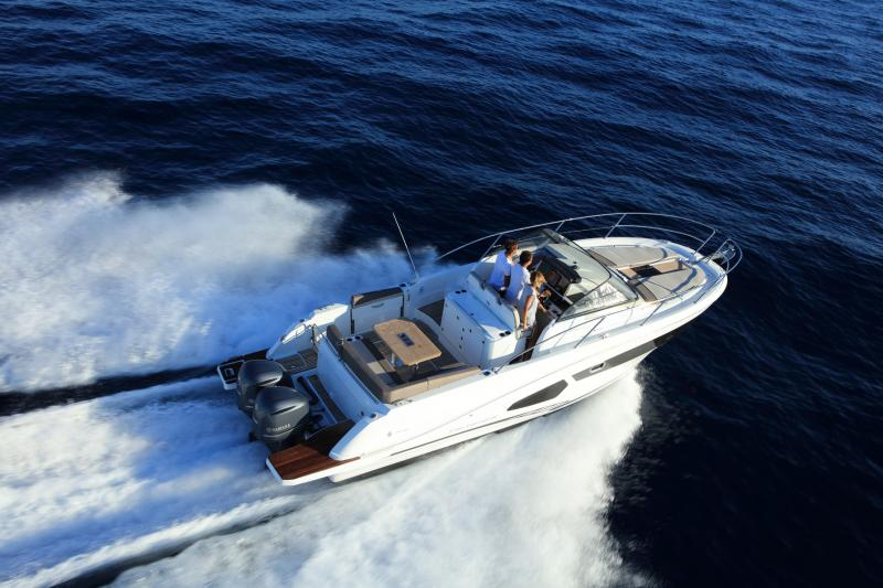 Cap Camarat 10.5 WA │ Cap Camarat Walk Around of 11m │ Boat Outboard Jeanneau  4291