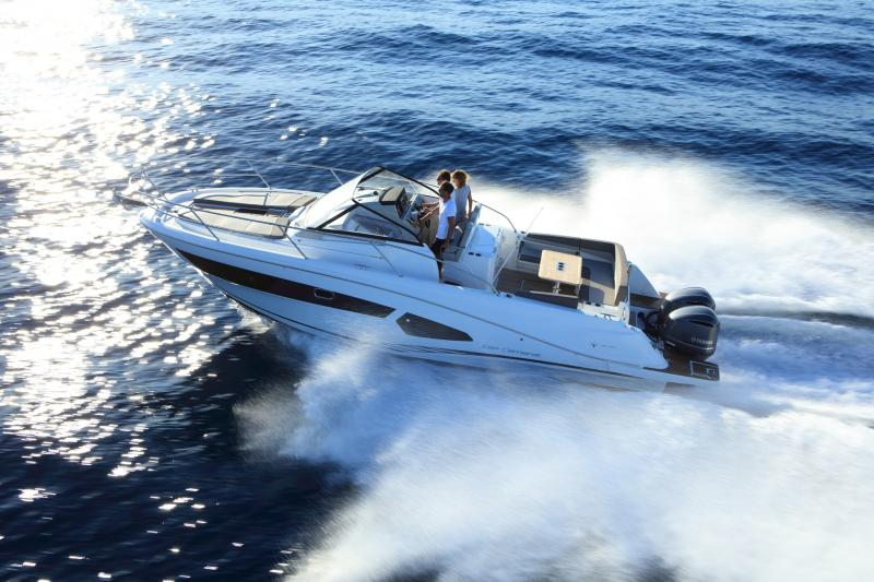 Cap Camarat 10.5 WA │ Cap Camarat Walk Around of 11m │ Boat Outboard Jeanneau  4290
