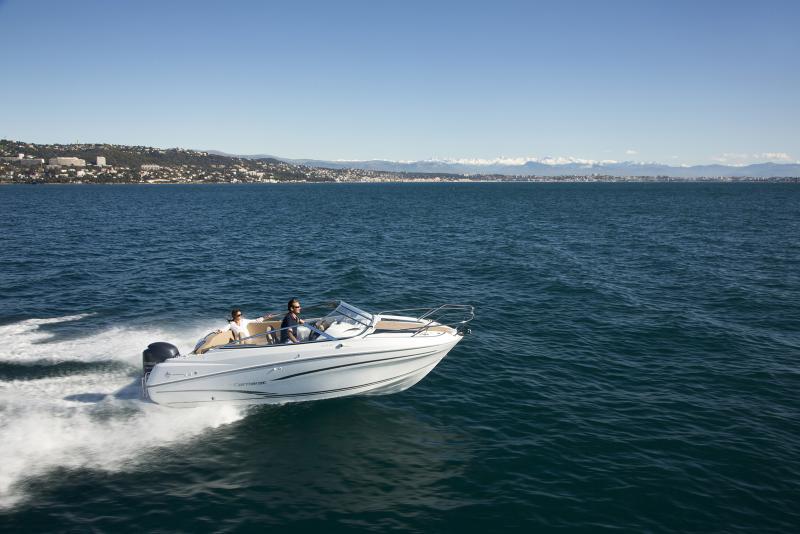 Cap Camarat 6.5 DC │ Cap Camarat Day Cruiser of 6m │ Boat powerboat Jeanneau barco Cap_Camarat_DC-6.5DC2 740