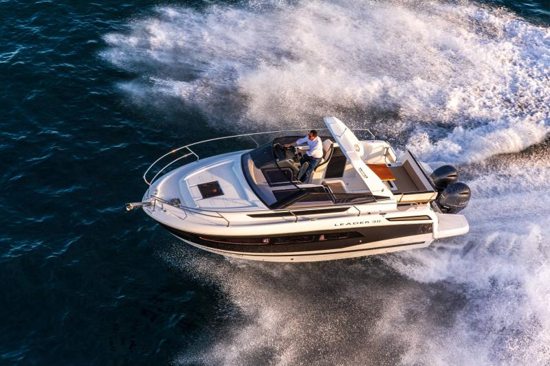 Leader 30 │ Leader of 9m │ Boat powerboat Jeanneau Outboard version 18195