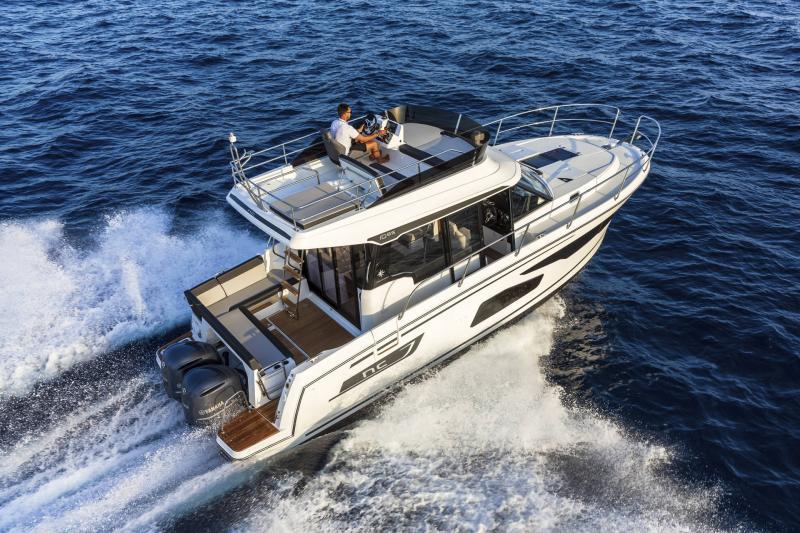 NC 1095 Fly │ NC Weekender of 10m │ Boat powerboat Jeanneau  21016