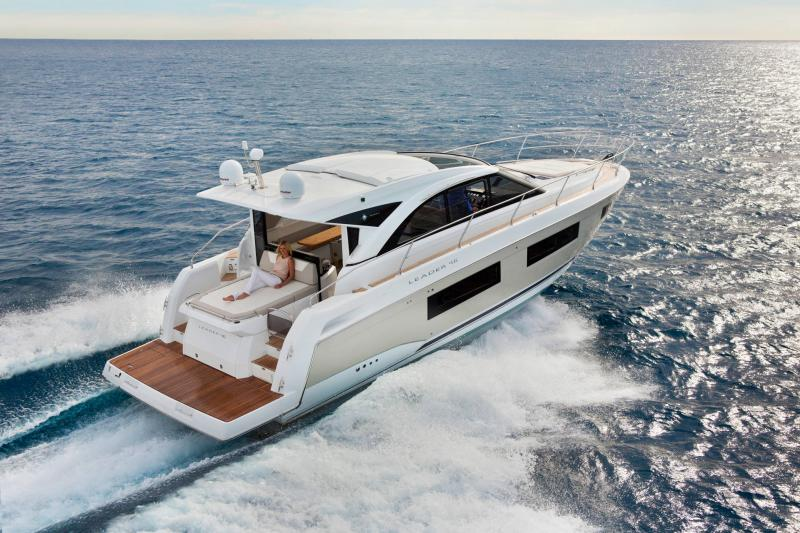 Leader 46 │ Leader of 14m │ Boat powerboat Jeanneau Aft Platform 18505