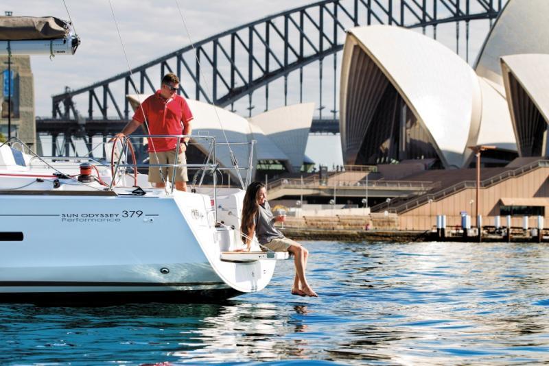 Sun Odyssey 379 │ Sun Odyssey of 11m │ Boat Sailboat Jeanneau  8354