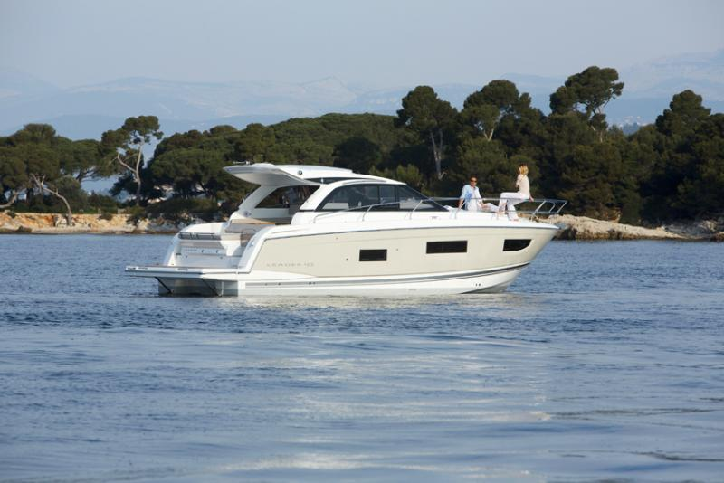 Leader 40 Exterior Views 24