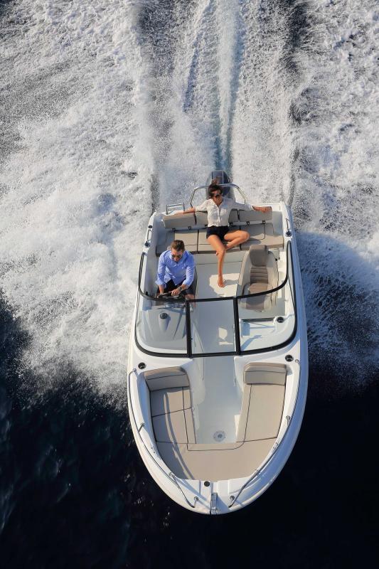 CAP CAMARAT 5.5 BR │ Cap Camarat Bow Rider of 5m │ Boat Outboard Jeanneau CAP CAMARAT 5.5 BR 4844