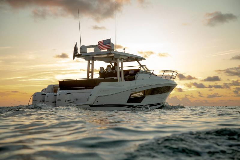Leader 12.5 │ Leader WA of 12m │ Boat powerboat Jeanneau  21625