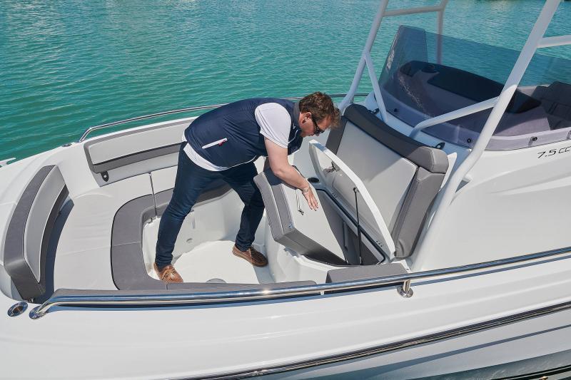 Leader 7.5 CC Series 3 │ Leader CC of 7m │ Boat powerboat Jeanneau  23089