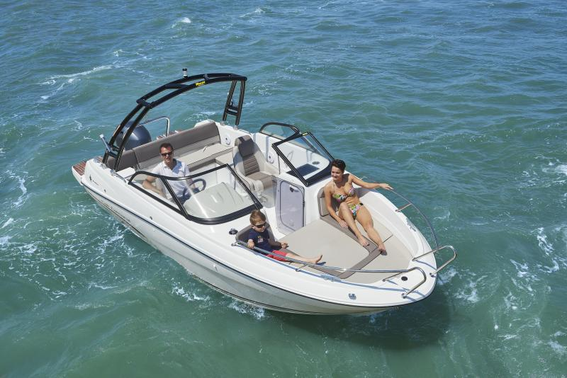 CAP CAMARAT 6.5 BR │ Cap Camarat Bow Rider of 6m │ Boat Outboard Jeanneau CAP CAMARAT 6.5 BR 3043