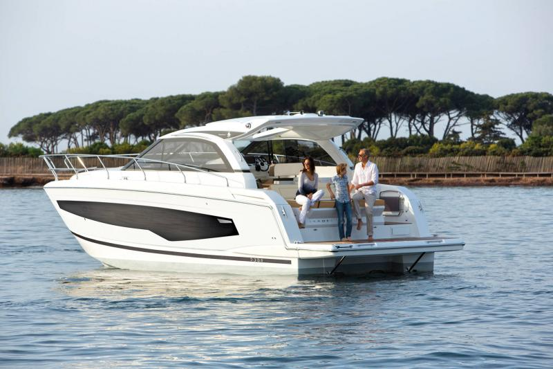 Leader 40 │ Leader of 12m │ Boat powerboat Jeanneau  22124