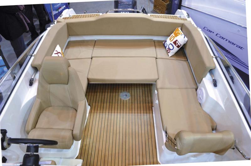 Cap Camarat 6.5 DC │ Cap Camarat Day Cruiser de 6m │ Bateaux powerboat Jeanneau  11111