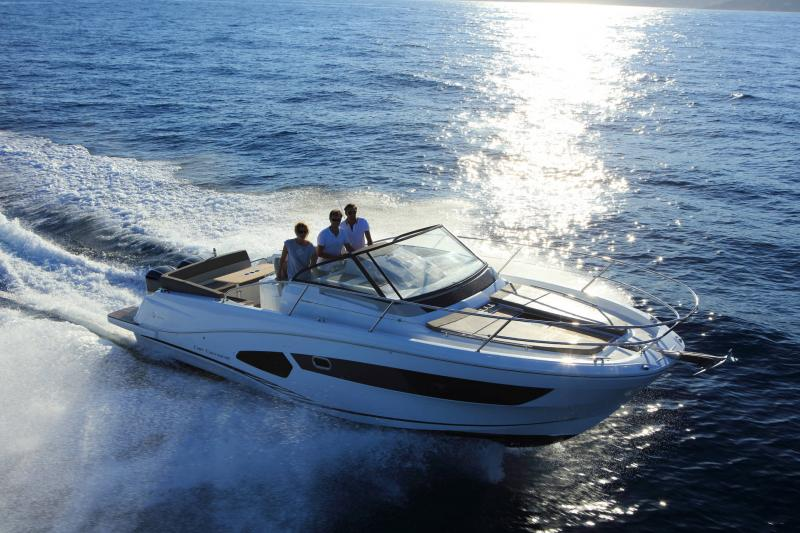 Cap Camarat 10.5 WA │ Cap Camarat Walk Around of 11m │ Boat Outboard Jeanneau 1-Navigation 17126