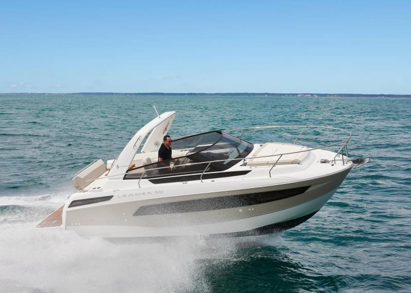 Leader 30 │ Leader of 9m │ Boat powerboat Jeanneau 1-Navigation 18230