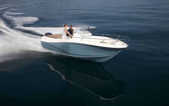 Cap Camarat 8.5 WA │ Cap Camarat Walk Around of 8m │ Boat powerboat Jeanneau boat medias_gamme 273