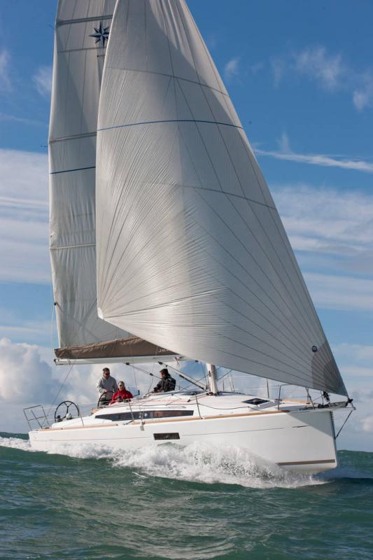 Sun Odyssey 349 │ Sun Odyssey de 10m │ Bateaux Voiliers Jeanneau  19165