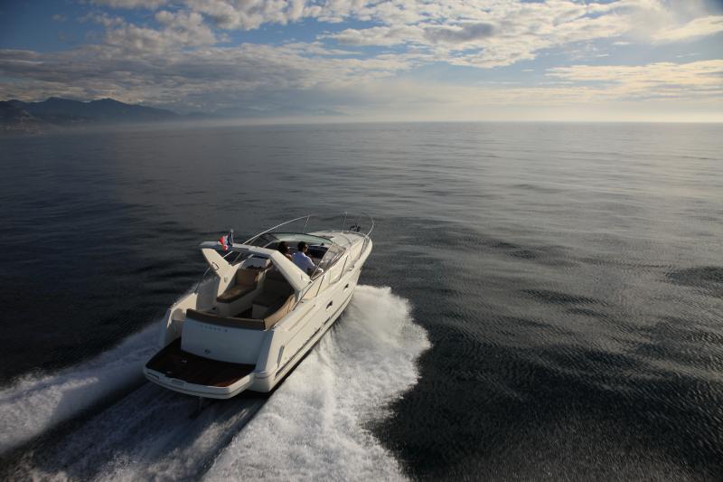 Leader 8 │ Leader of 9m │ Boat powerboat Jeanneau boat Leader-Leader8 69