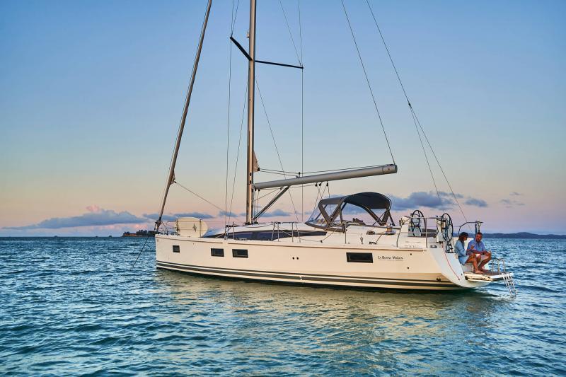 Jeanneau 51 │ Jeanneau Yachts of 15m │ Boat Sailboat Jeanneau  17358