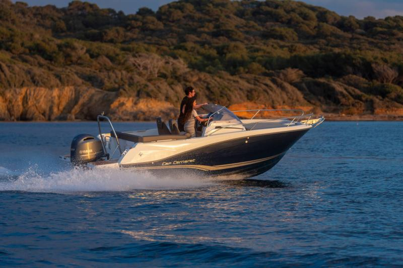 Cap Camarat 6.5 WA série3 │ Cap Camarat Walk Around of 6m │ Boat powerboat Jeanneau  17201