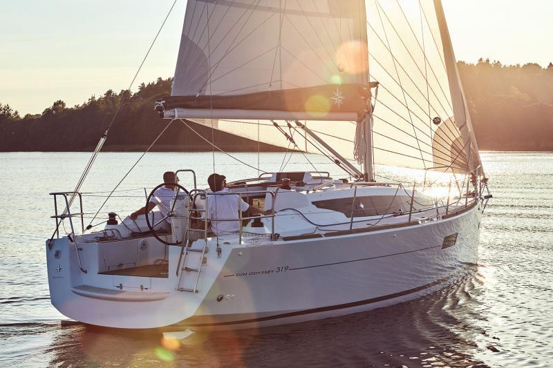 Sun Odyssey 319 Vues d'extérieur 35
