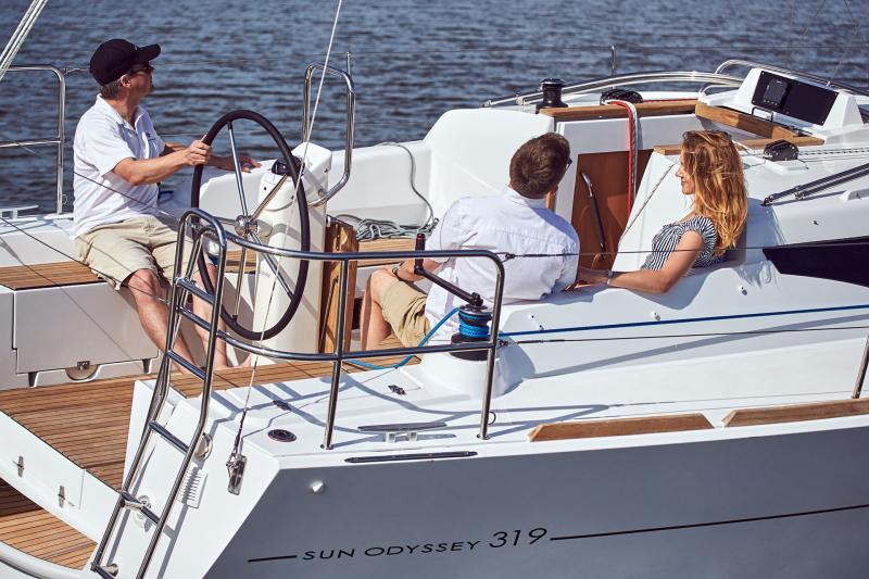 Sun Odyssey 319 Vues d'extérieur 13