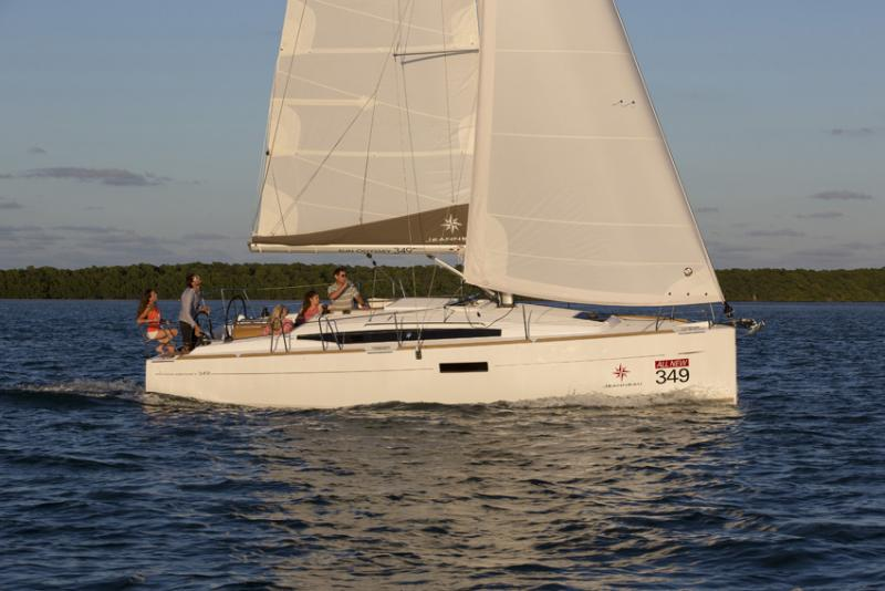 Sun Odyssey 349 │ Sun Odyssey of 10m │ Boat Sailboat Jeanneau boat Sun-Odyssey-349 929