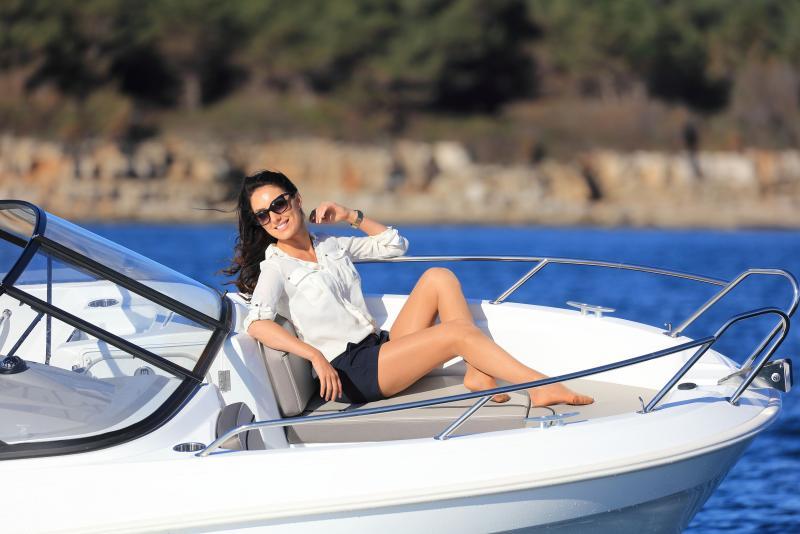 CAP CAMARAT 5.5 BR │ Cap Camarat Bow Rider of 5m │ Boat Outboard Jeanneau CAP CAMARAT 5.5 BR 4823