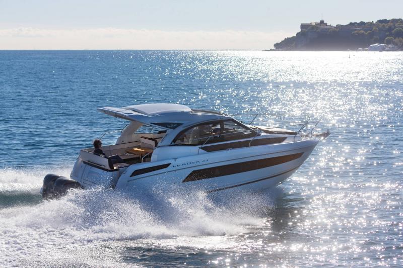 Leader 33 │ Leader of 11m │ Boat Intra-borda Jeanneau Outboard version 18291