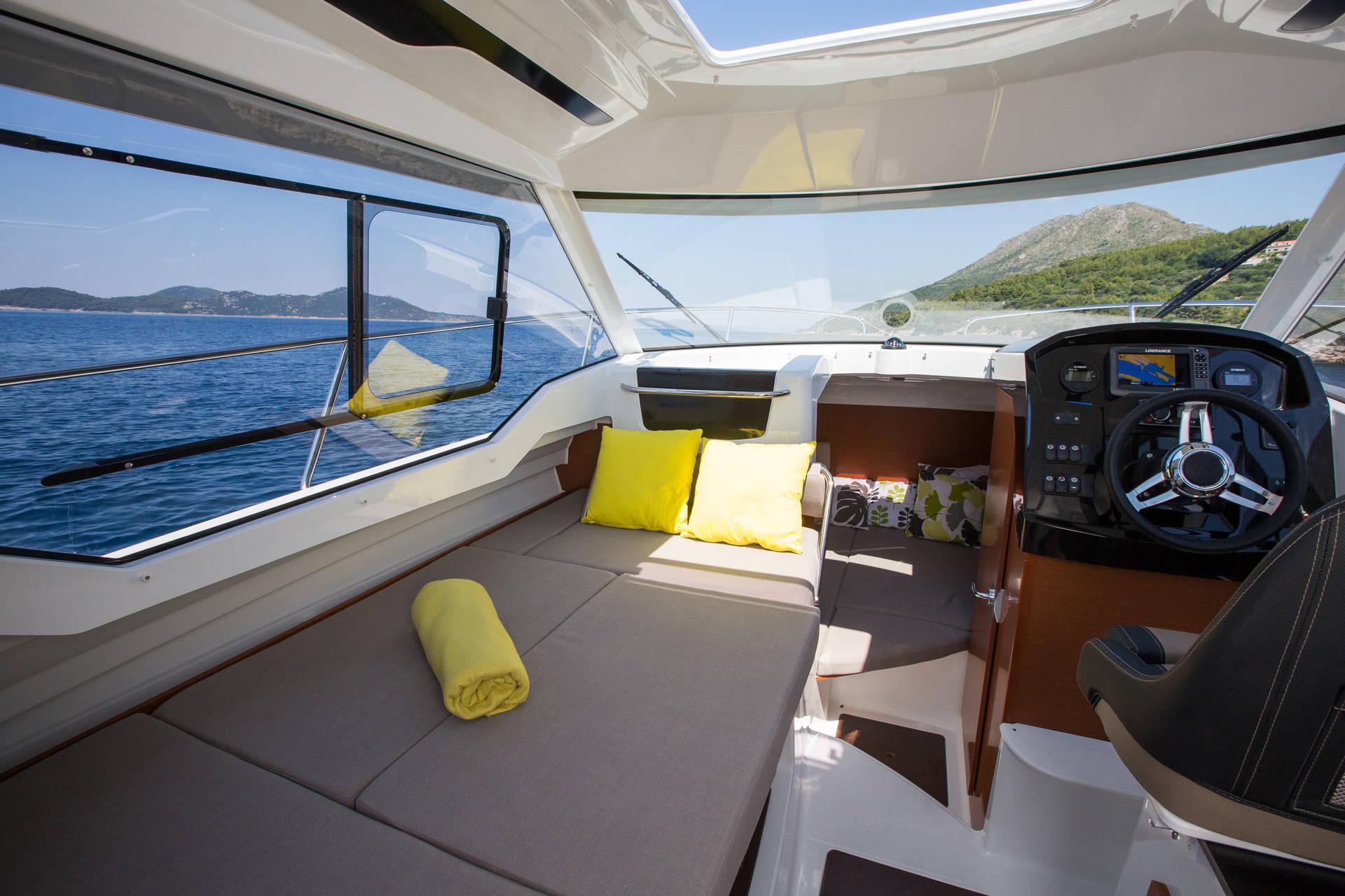 NC 795 | Jeanneau Boats